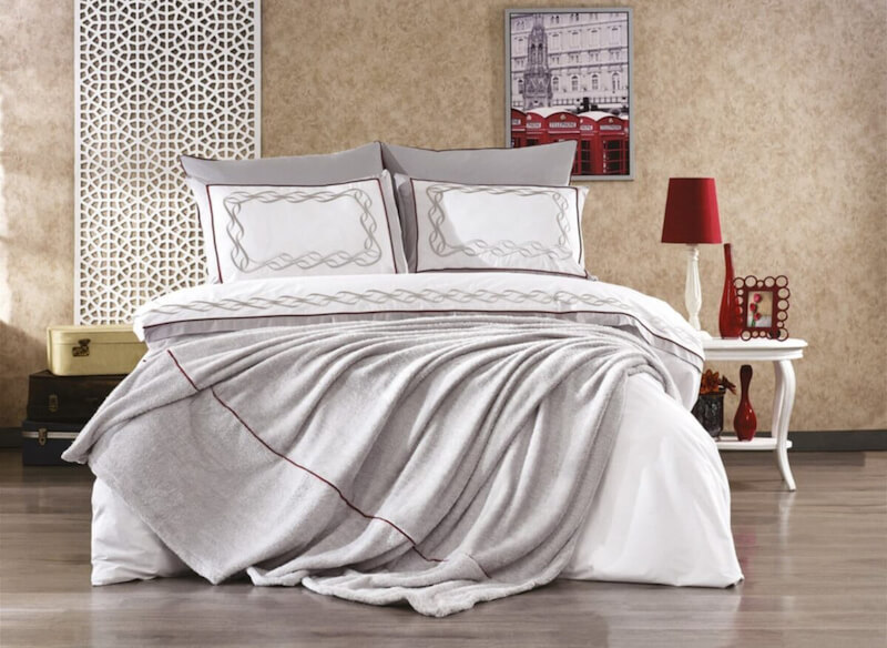 set lenjerie de pat plus cuvertura